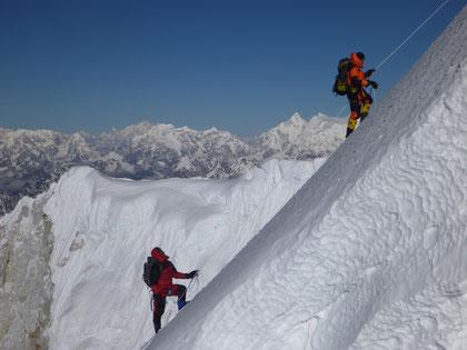 Stef Wolput and Nawang Sherpa climbing Baruntse