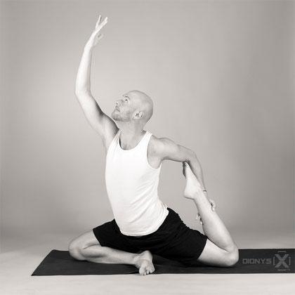 kurse preise yoga cannstatt die yogaschule in bad cannstatt. Black Bedroom Furniture Sets. Home Design Ideas