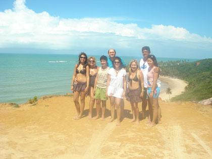 Chacon e sua Família no Mirante Dedo de DEUS!! Lá em baixo a Praia de Coqueirinho, uma das mais belas do BRASIL!!!