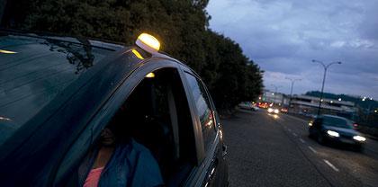 Baliza luminosa para señalización en carretera