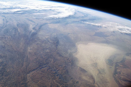 Dust storm covers Turkmenistan in central Asia. Winds blowing down the largest river valley in the region, the Amudarya, were strong enough to raise a large dust storm. The image was acquired by ISS, NASA. ©NASA-JSC.