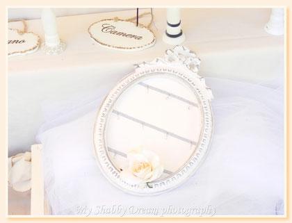 MB010 - Mes Bijoux -  Porta orecchini da appendere - Ideato e decorato a mano - € 42,00 - Della linea Maison Charmante -