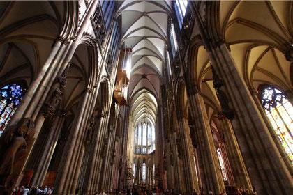 Köln, Dom. Mittelschiff