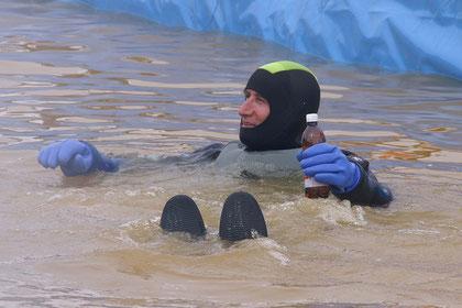 Rettungsschwimmer bieten Gewähr, dass aus dem Spass nicht Ernst wird ....