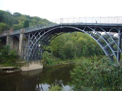 世界最古の鋼橋