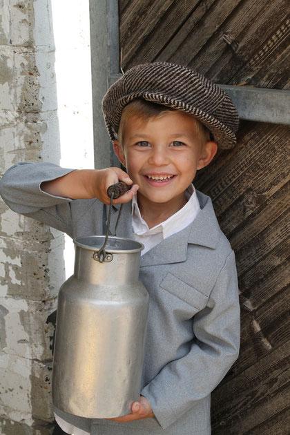 Justus als Milchbauer