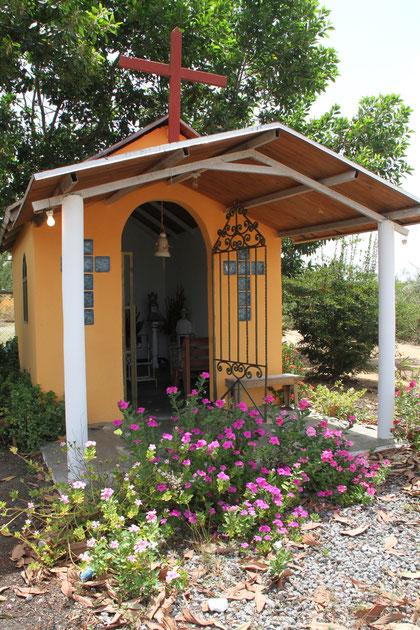 kleine Kapelle an einer Raststätte