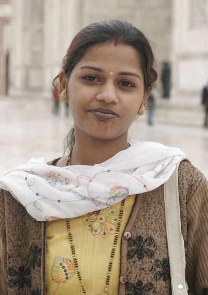 Inderin beim Taj Mahal