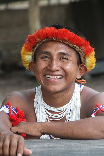 Ein Piaora Indianer zeigte uns sein Dorf