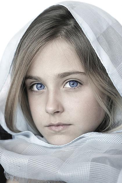 mit blauem Tuch