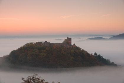 Burg Gleichen mit Nebelschleier