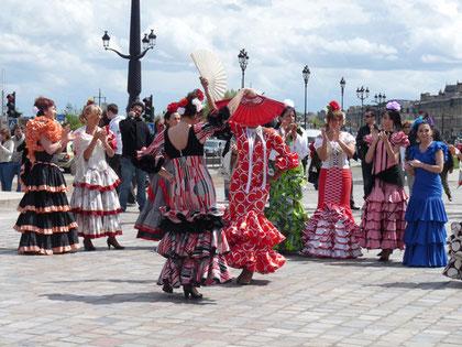 Fête de la danse, jinn 2012, sur les quais de Bordeaux (P. Guillot)