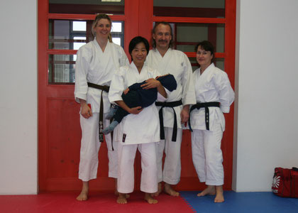 Simone, Marié (m. Akira), Roland und Barbara