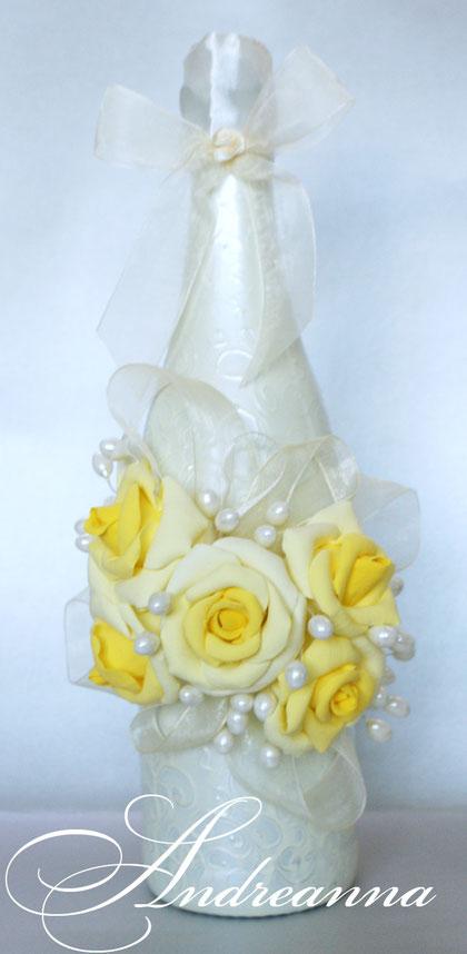 Шампанское «Желтая роза»  цветочки полностью ручной работы (лепка) ручная роспись, цветы с ароматом живых. Стоимость 750грн (выполняется в любом цвете).