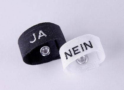 """Poetische VorEheRinge """"ja-nein"""" • Textilband, Silberniete 925,aus der Goldschmiede Martin Wittwer • Schmuck & Objekt in Regensburg, Gesandtenstrasse 16"""