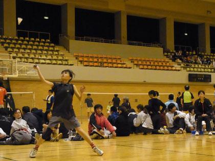 女子チームのダブルス戦 Photo by K,Kawasaki