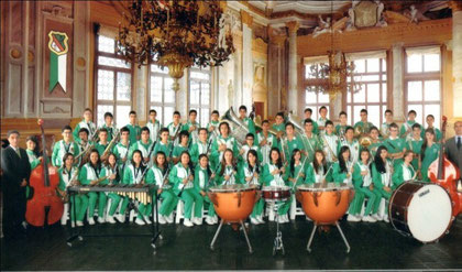 Banda estudiantil sinfónica Institución Educativa Instituto Universitario de Manizales dirigida por el maestro Jorge Enrique Hernández E.