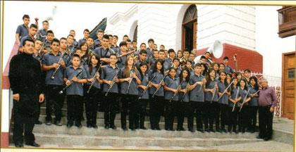 Banda sinfónica estudiantil Institución Educativa Neira, dirigida por el maestro Holver Mauricio Cardona