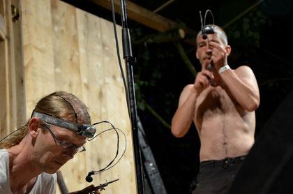 Christoph Schulz und Jörg Hornen beim 2. Feldegger Maultrommeljam im Rahmen der 1. Feldegger Obertontage 2012  (Foto:  Rita Heitzinger)