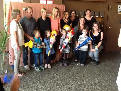 Die Grundschulstufe durfte auch in diesem Jahr wieder 4 stolze Erstklässler und ihre Eltern mit einer Feier in der Aula begrüßen. Willkommen Luca, Mandy, Corinna und Brian!
