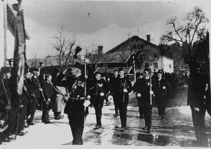 Aufmarsch der Häringer Bergknappen zur Fahnenweihe 1935