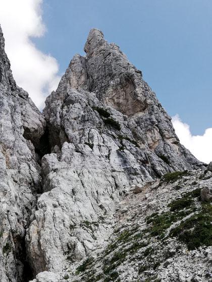 Der Villacher Turm (Campanile di Villaco) in der Nähe der Corsi-Hütte - beliebtes Ziel für Kletterer