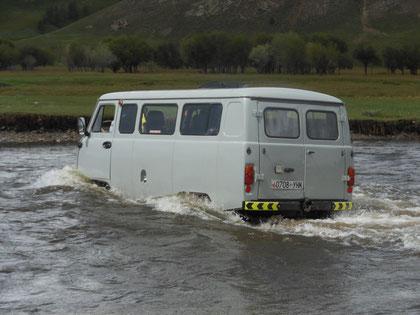 Traversé de rivière en crue