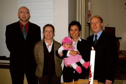 Patenonkel Andreas, Patentante Sabine und Tina mit den stolzen Eltern