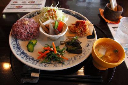 「雑穀レストラン&健康カフェ Kinta」のランチプレート