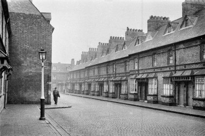 Near Ryder Street (Lawrence Street?) 1958. Reproduced with the kind permission of Keith Berry from his collection of photographs - see Acknowledgements for a direct link to his website.