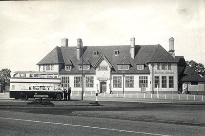 The Maypole public house c1950s - from Chris Myers' Home Guard website - see Acknowledgements.