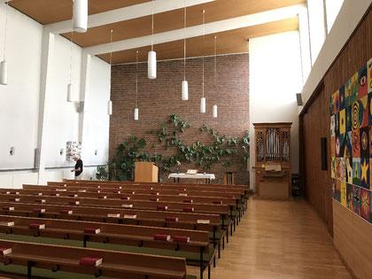Der Innenraum der Wolfsburger Kirche