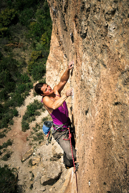 Crux move of Pati pa mi, siurana, Spain, 30°C, 8b. Photo by Josef.