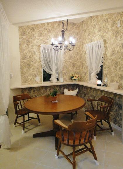 ダイニング カフェ テーブル シャンデリア