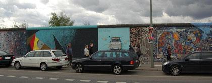 East Side Gallery Berlin, Trabi, TEST THE REST