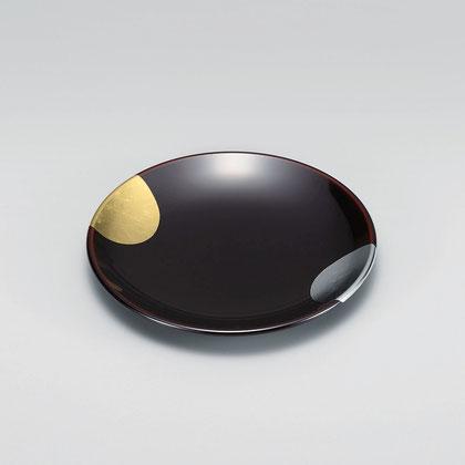 金箔と銀箔を太陽と月に見立てた 可愛らしい銘々皿です