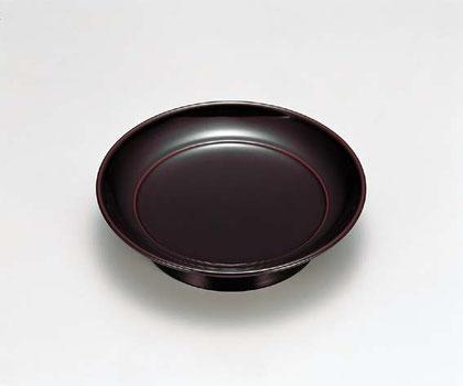 和菓子やケーキだけでなく茶器やカップなどを置いてみたり・・・ 椿皿はくつろぎのひと時を素敵に彩ります