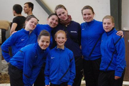 Team 2012: hinten: Katrin, Jane, Christin (unsere Pferdemama;) ), Natascha, Sina; vorn: Amelie und Hedi