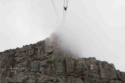 Seilbahn auf den - verhüllten - Tafelberg