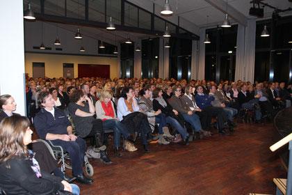 28.11.12 - Über 300 Gäste lauschten dem Vortrag von Dr. Jan Uwe Rogge im GTZ