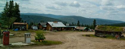 Kurioses Cafe in Alaska gleich hinter der Grenze