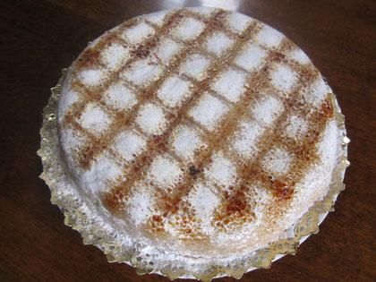 Ponche 'Etxeko Tartak': bizcocho emborrachado, crema y cobertura de mazapán