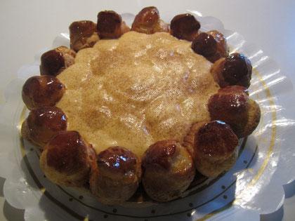 Tarta Saint-Honoré: pasta choux, crema Saint-Honoré y petisús