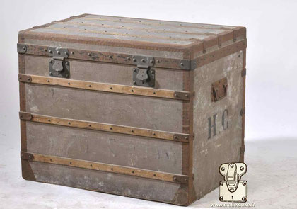 old trunk constant vuiton French