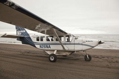 Nach ca. 45 Minuten landete unser Pilot sicher am Strand des Lake Clark Natinonal Parks.
