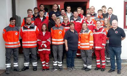 Ausbildungsleitung zusammen mit den Mitgliedern der Bereitschaften und Wasserwachten und BRK-Kreisgeschäftsführer Klaus Zimmermann, Foto: Herbaty C.