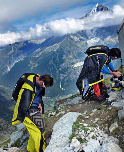 Base-Jump in Wingsuits Chamonix
