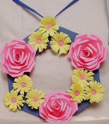 Fenster oder Türkranz Rosen mit Quilling - Blumen
