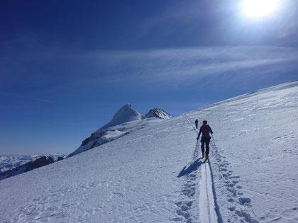 Skitour, Clariden, Überschreitung Tüfelsjoch, Teufelsjoch, Klausenpass, Urnerboden, Schweiz, Glarnerland, Skidepot, Chammlijoch