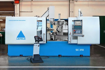Leifeld SC 310 fully automatic metal spinning center